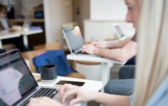 Cursurile online te ajuta sa nu pierzi timp – afla despre posibilitatile de reorientare profesionala cand stai acasa